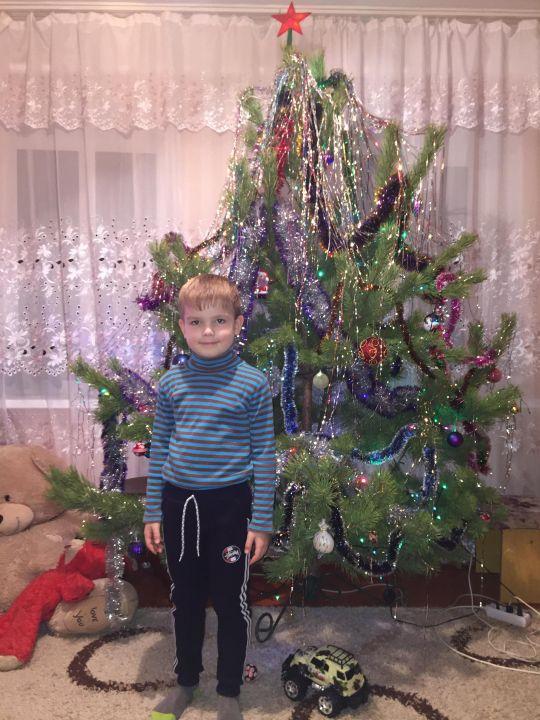 Елисей Витальевич Брик