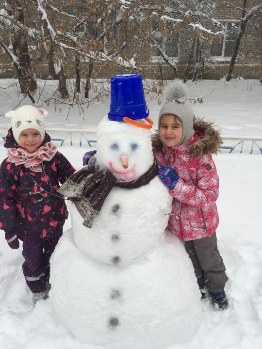 Горошкова Дарья с сестрёнкой