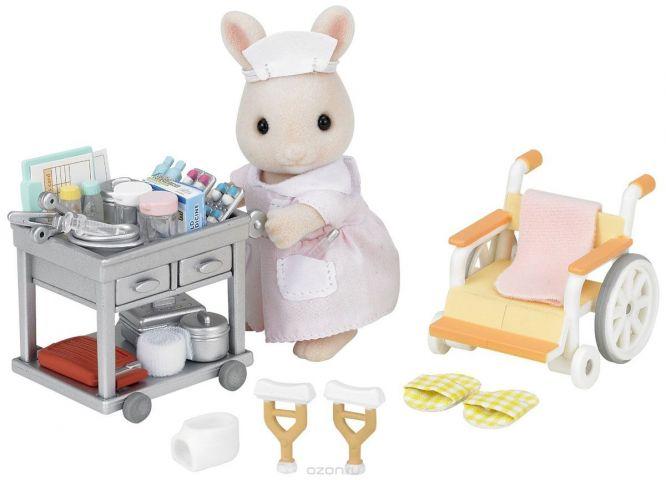 Sylvanian Families Игровой набор Медсестра с аксессуарами